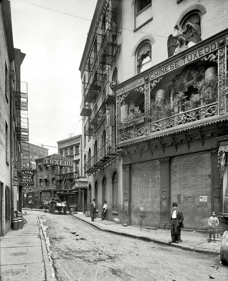 Chinese Tuxedo at Doyers Street and The Bowery, 1901
