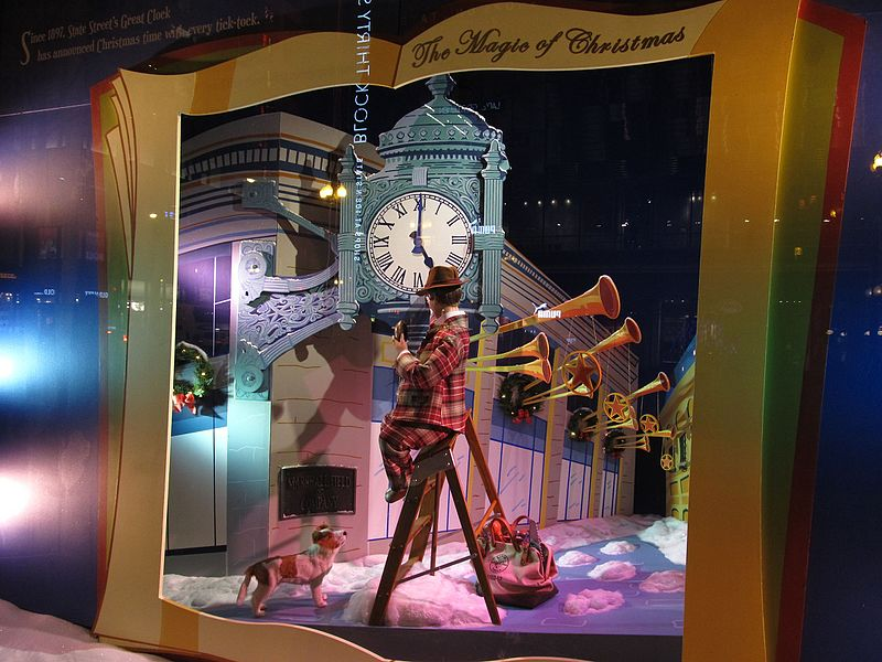 Macy's_Christmas_Display,_Marshall_Field_and_Company_Building
