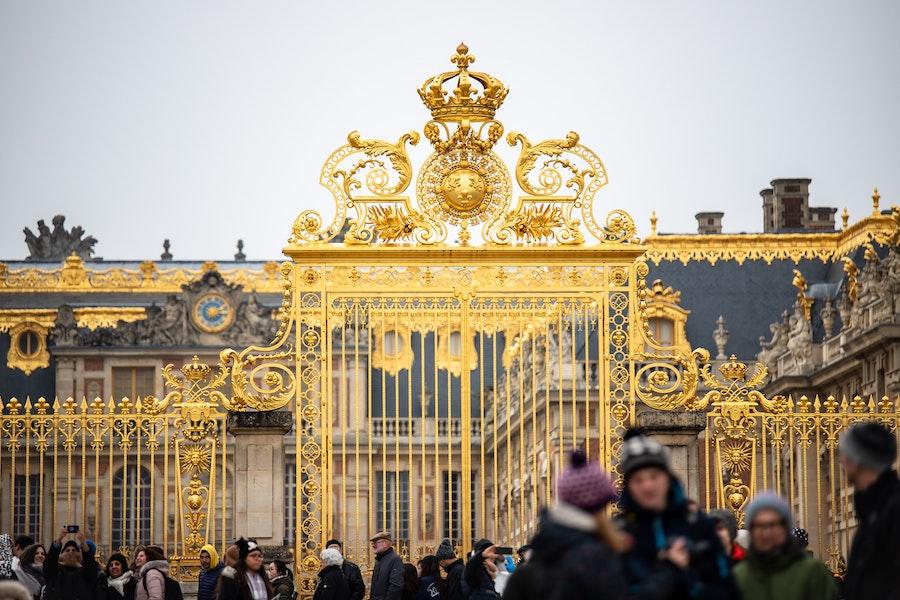 Versailles gates in winter