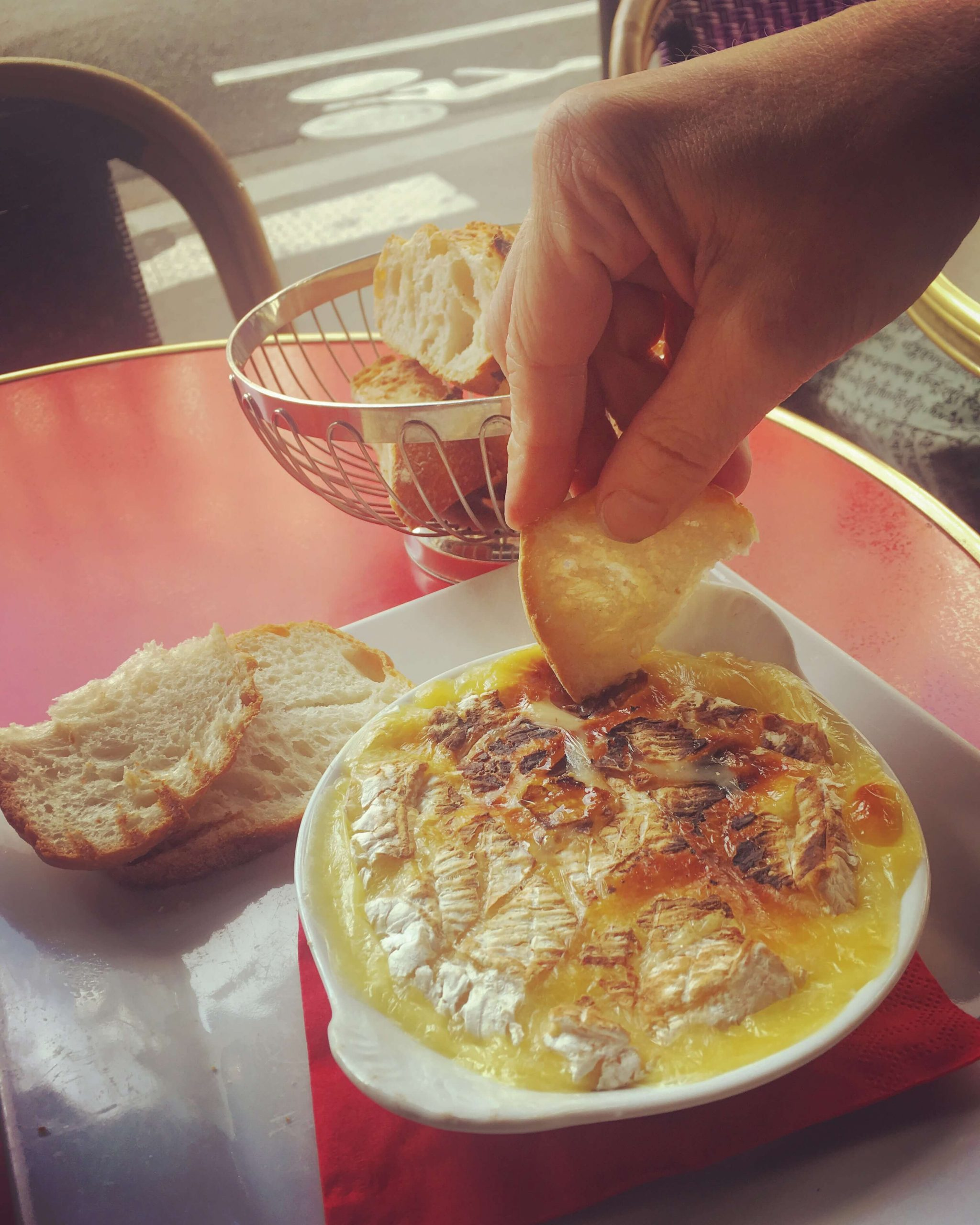 Baked camembert with croutons