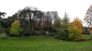 Green, grassy hill at Parc Montsouris is Paris' 14eme