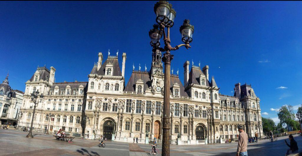 Blue skies over Theatre de Ville
