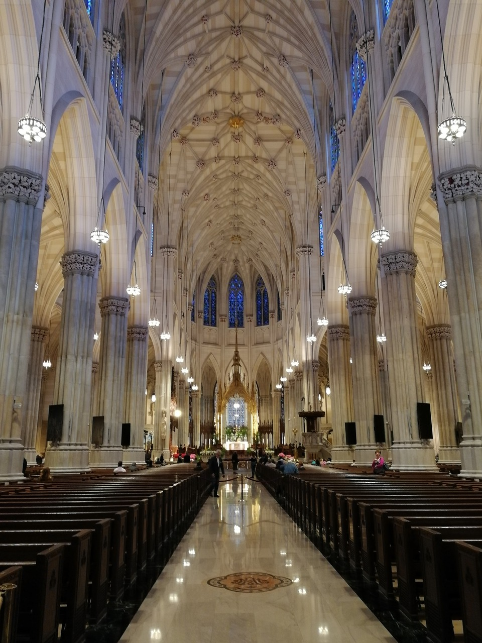 St Patrick's Cathedral Seats 2400
