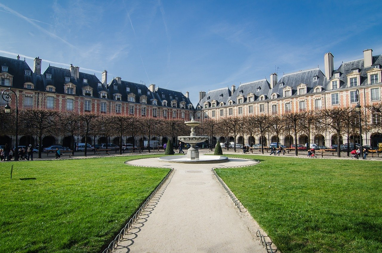Place des Vosges Le Marais Paris