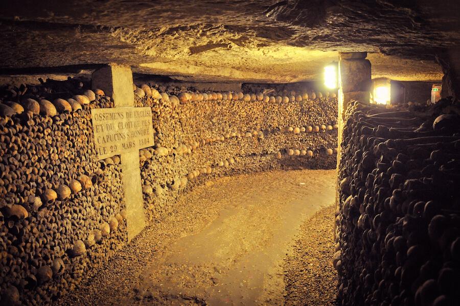 tunnel underground in Paris