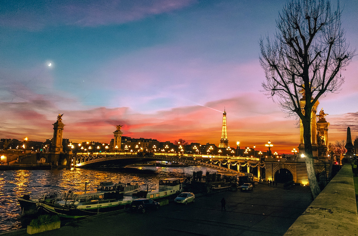 A gorgeous sunset over the River Seine with Eiffel Tower in background