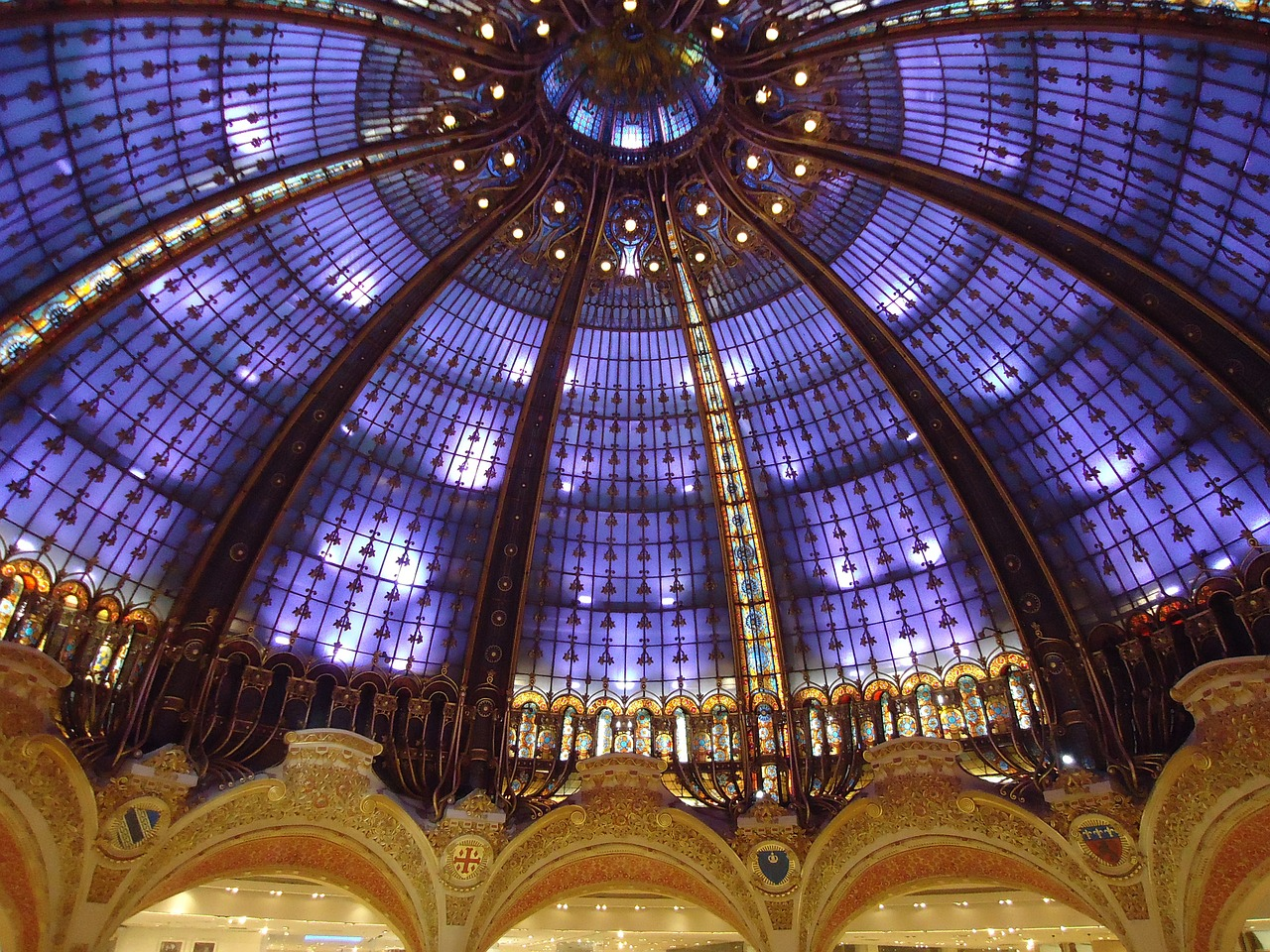 galeries lafayette stained glass dome