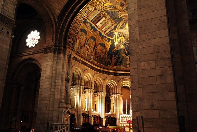 A glimpse inside the Sacré-Cœur