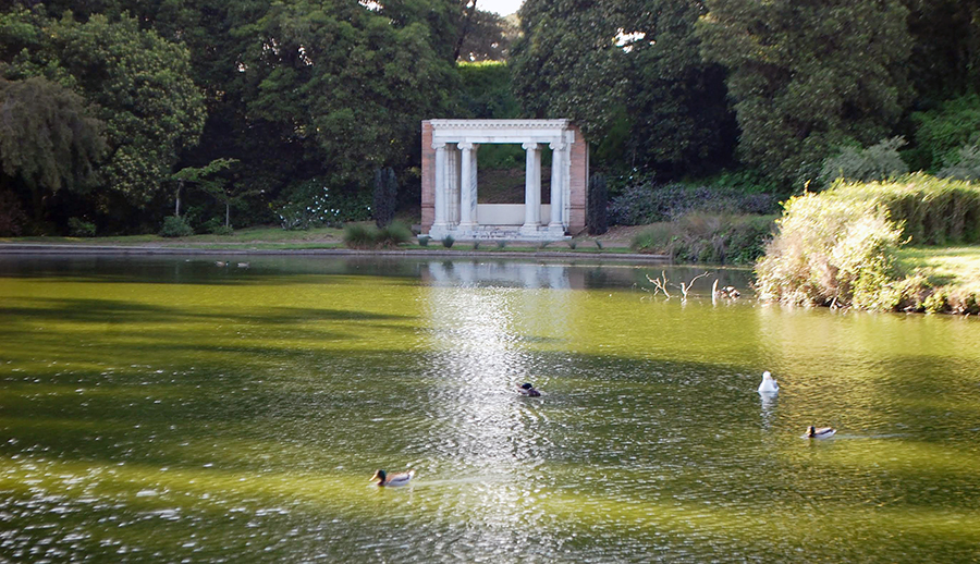 Portals of the Past folly at Golden Gate Park in the late afternoon