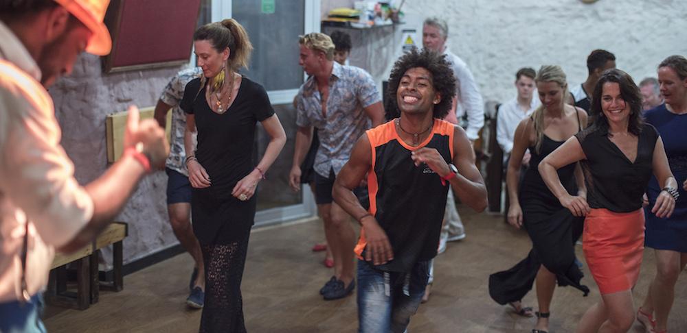 Latin Dance Class in Caragena
