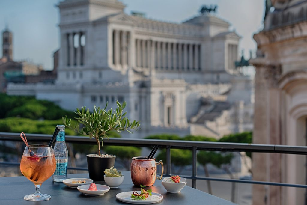 Secret View bar in Rome with view of the Victor Emmanuel II National Monument