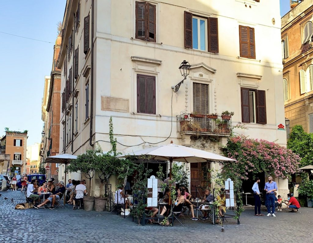 Pizza Madonna dei Monti restaurant near the Colosseum in Rome