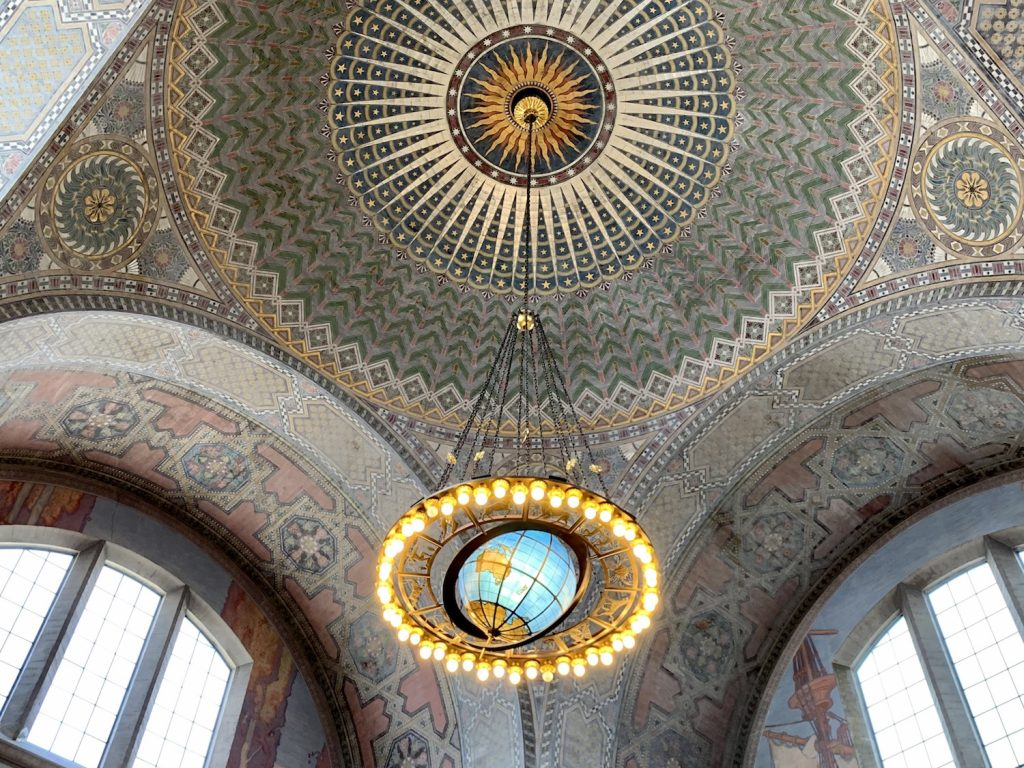 Instagrammable DTLA library chandelier and ceiling for