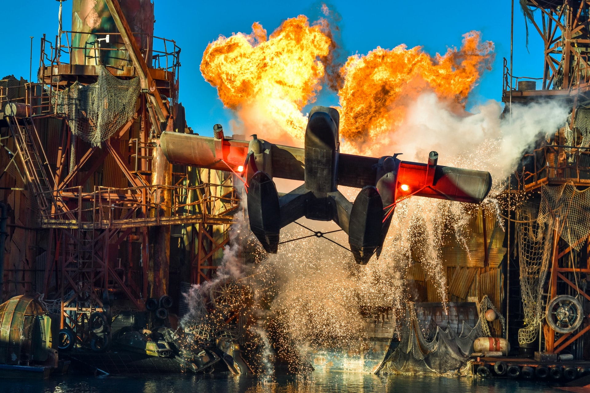 Show with an airplane, fire and other special effects at Universal Studios Hollywood
